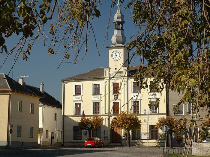 Radnice v Lošticích