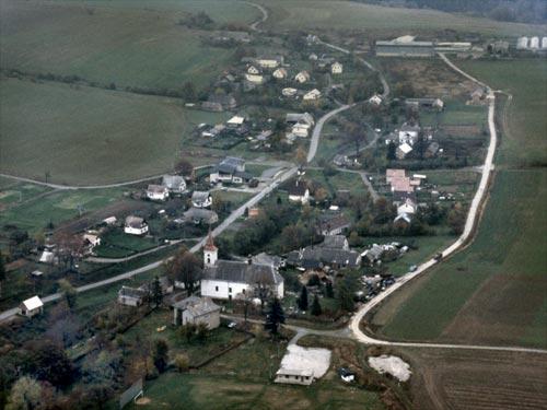 Maletín - jaro - pohled od jihozápadu