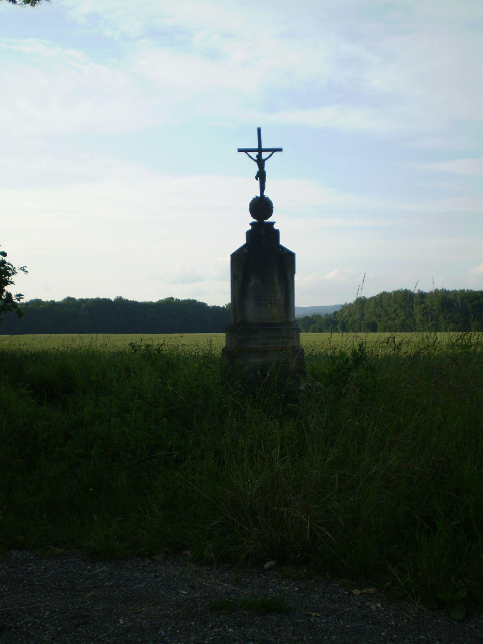kříž při cestě