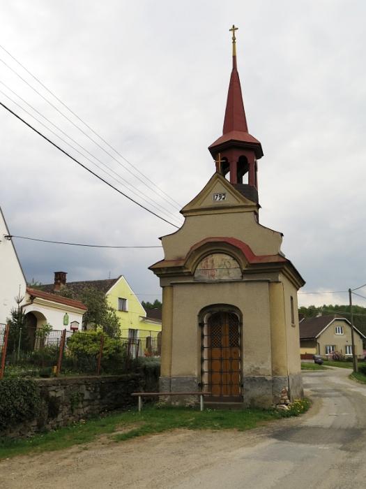 Mohylové pohřebiště Stavenice