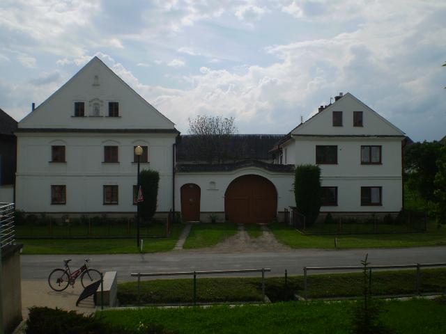Hospodářské usedlosti Třeština