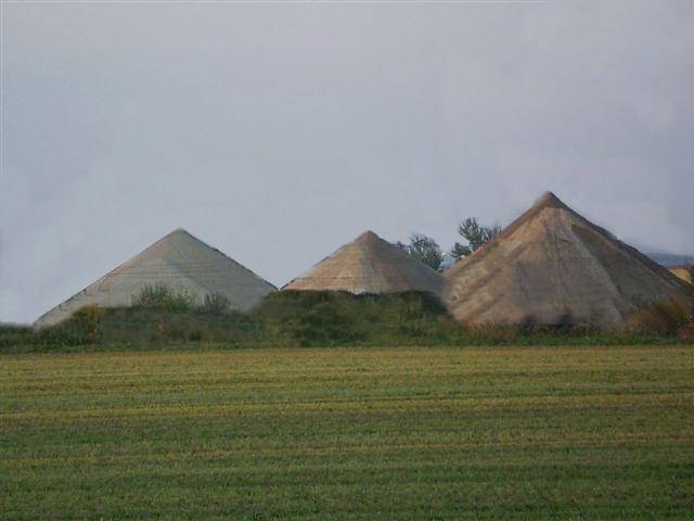 Mohelnická jezera a pyramidy