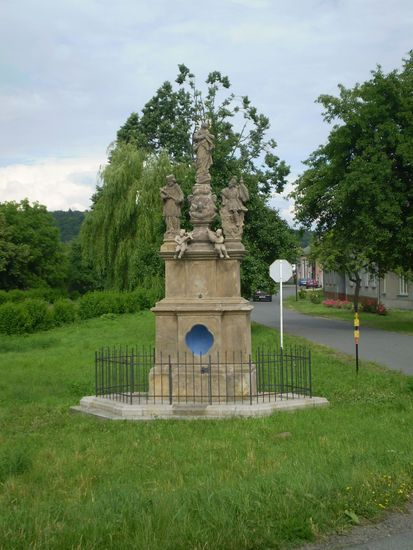 Sousoší P.Marie,sv.Florián, sv.Jan Nepomucký - Moravičany