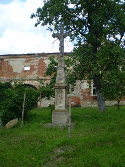 kříž ve Vacetíně