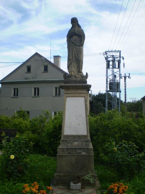 Pavlov - socha P. Marie