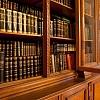 Arcibiskupský palác Olomouc - knihovní skříň (foto Filip Macháček)