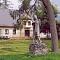 Socha sv. Huberta v zámeckém parku Loučná nad Desnou